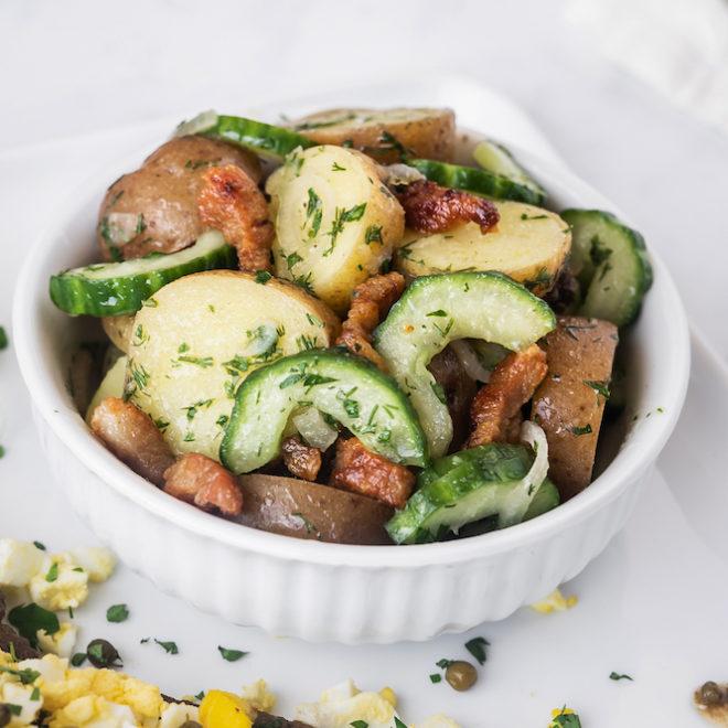 Salade de patates grelots au concombre et aux lardons